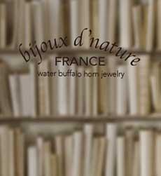 水牛の角のアクセサリー、パールのアクセサリーなどbijoux d'nature